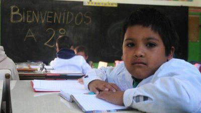 Maestros de Chaco, Salta, La Rioja y Neuquén volvieron al paro