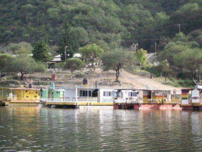 Revisarán la prohibición de la pesca nocturna en Cabra Corral