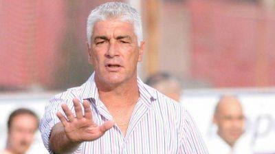 """Omar De Felippe: """"La manera de colaborar con Independiente es estando arriba y ganando"""""""