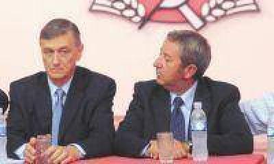 Cobos y Binner apuestan a un armado nacional y a la división del PJ en 2015