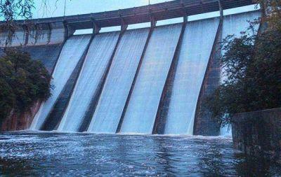 Tras siete años, el dique La Quebrada superó el vertedero