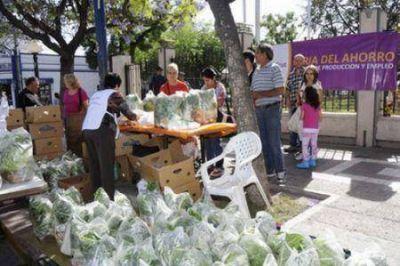 Ya está recorriendo los barrios de Godoy Cruz la Feria del Ahorro