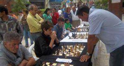 Juegos de ajedrez, en la Peatonal