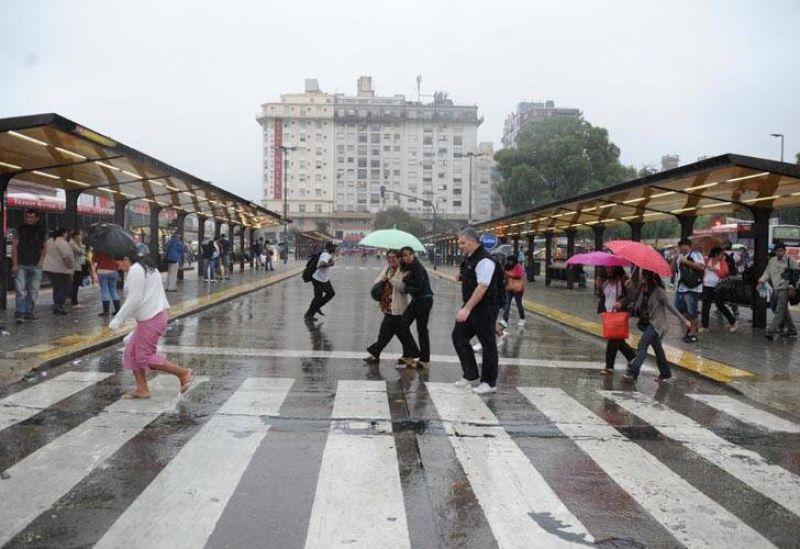 El paro de Moyano y Barrionuevo dejará sin transporte a casi todo el país