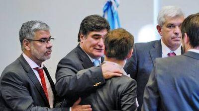 YPF: rechazan críticas de la oposición y avanza el pacto en el Congreso