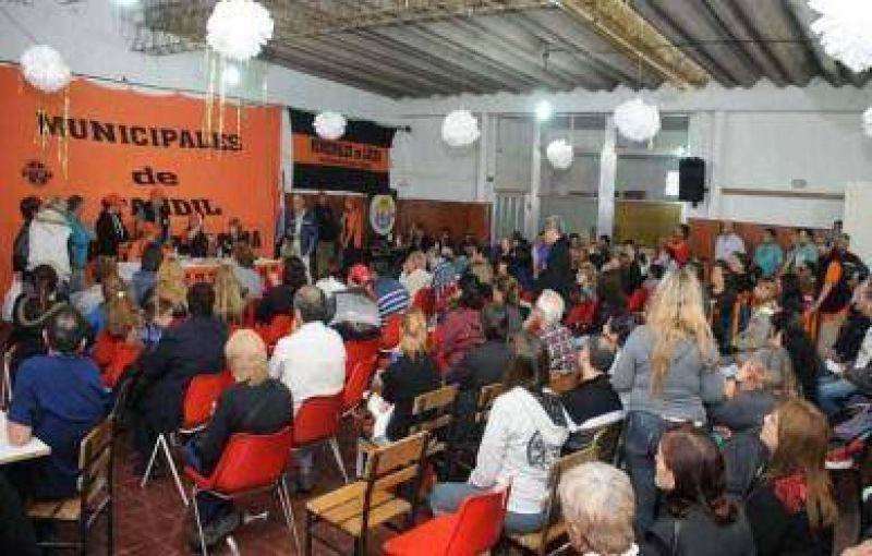 Por escasa diferencia de votos, los municipales aceptaron la propuesta salarial del Ejecutivo