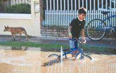 Todavía quedan más de 2000 evacuados por las inundaciones