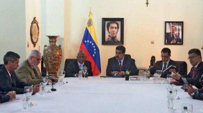 Con el auspicio de Unasur, se realiza la primera reunión abierta de Maduro con la oposición