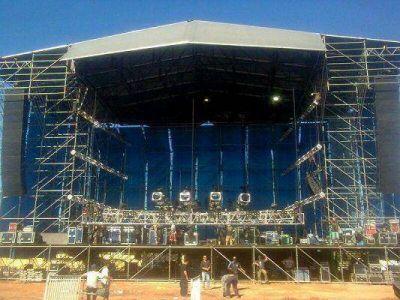 Gualeguaychú convulsionado por el recital más grande de la historia