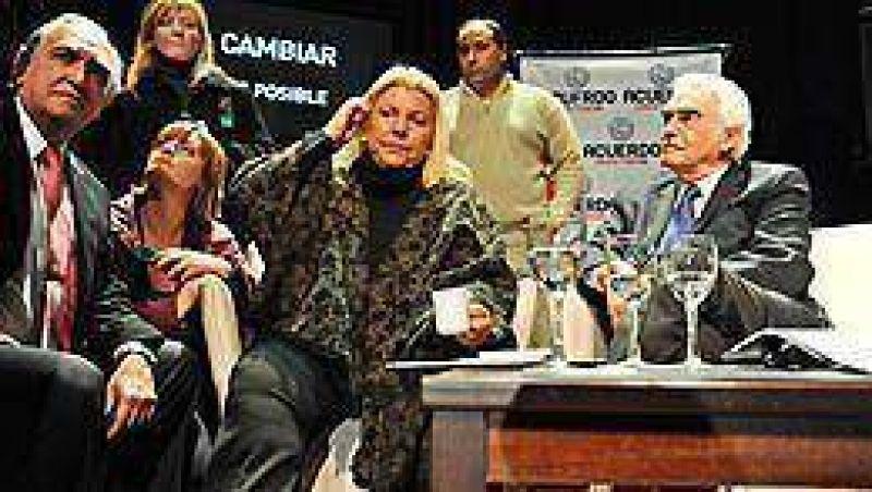 Carrió le reclamó a Cobos una foto con el Acuerdo Cívico y Social
