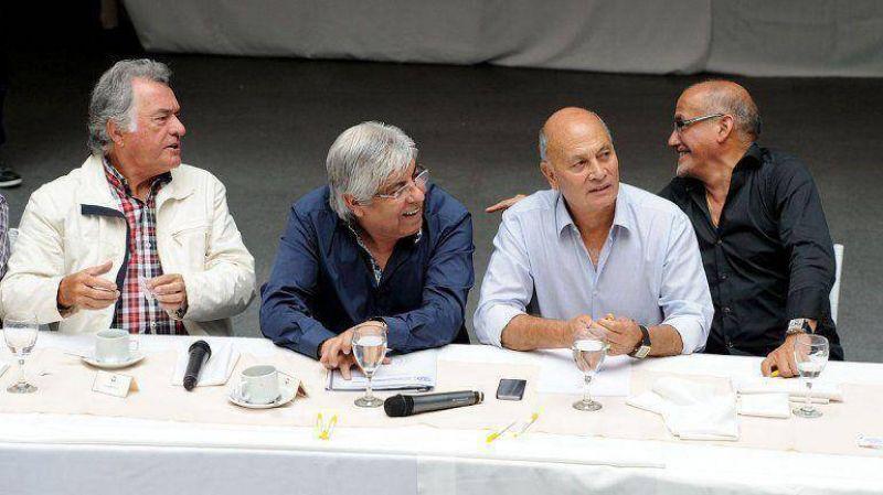 """Venegas, irónico con la ausencia de Barrionuevo esta mañana: """"No llegó, todavía está durmiendo"""""""