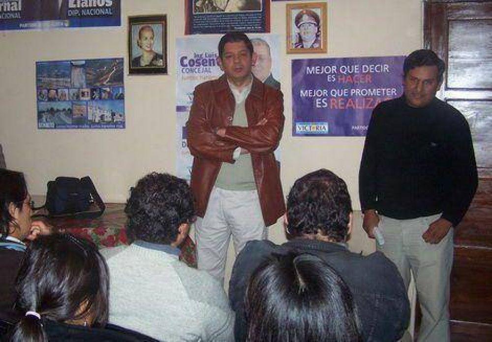 Llanos se reunió con vecinos de Luján y con estudiantes universitarios