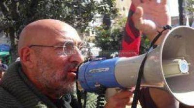 """El """"Perro"""" Santillán espera que el Gobierno reflexione, ante la fuerza del paro"""