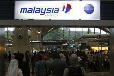 Sin señales acústicas, sigue la búsqueda del avión de Malaysia