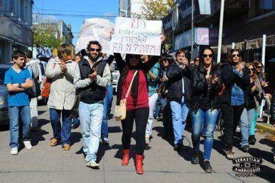 Los comerciantes marcan su reclamo con manifestación contra el estacionamiento medido