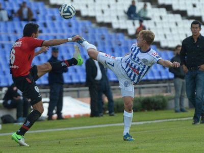 La ley del ex: Newell's le ganó al Tomba con un gol de Alexis Castro