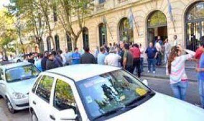 Pergamino: Remiseros marcharon en reclamo de seguridad