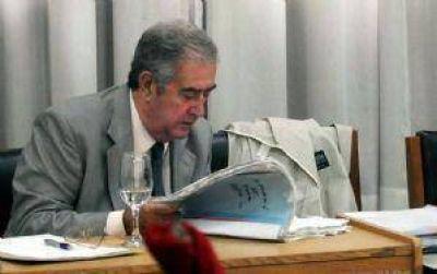 El jury le dio 12 días más a De Rosas para definir su futuro