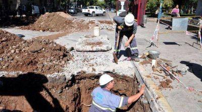 Caos vehicular por dos obras en calles del microcentro