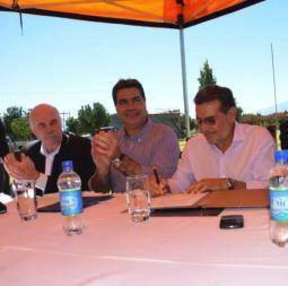 """""""La Rioja está demostrando que es una provincia viable y productiva"""""""