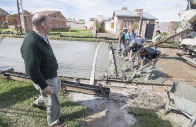 """""""Vamos a lograr completar las 153 cuadras de asfalto"""""""