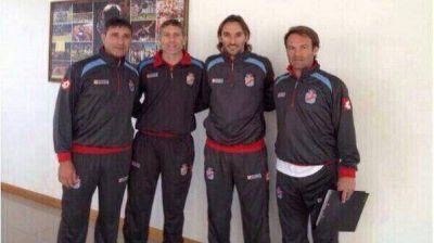 Se puso el buzo: Mart�n Palermo dirige su primera pr�ctica en Arsenal