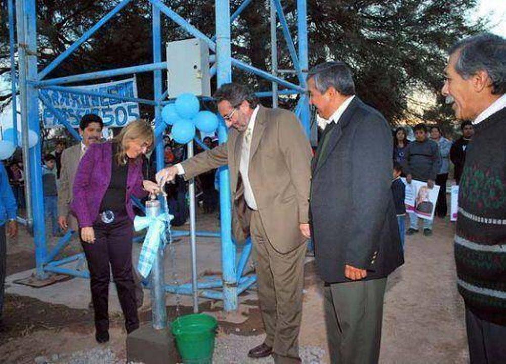 La comunidad de El Lobatón tiene escuela nueva