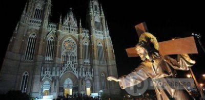 Realizaron emotivo Vía Crucis en la ciudad