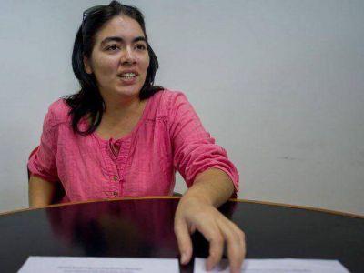 Una docente denuncia persecución política