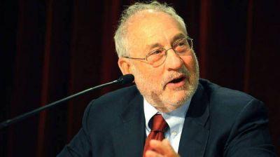 El Nobel de Economía, Joseph Stiglitz, recibe a SergioUrribarri en Nueva York