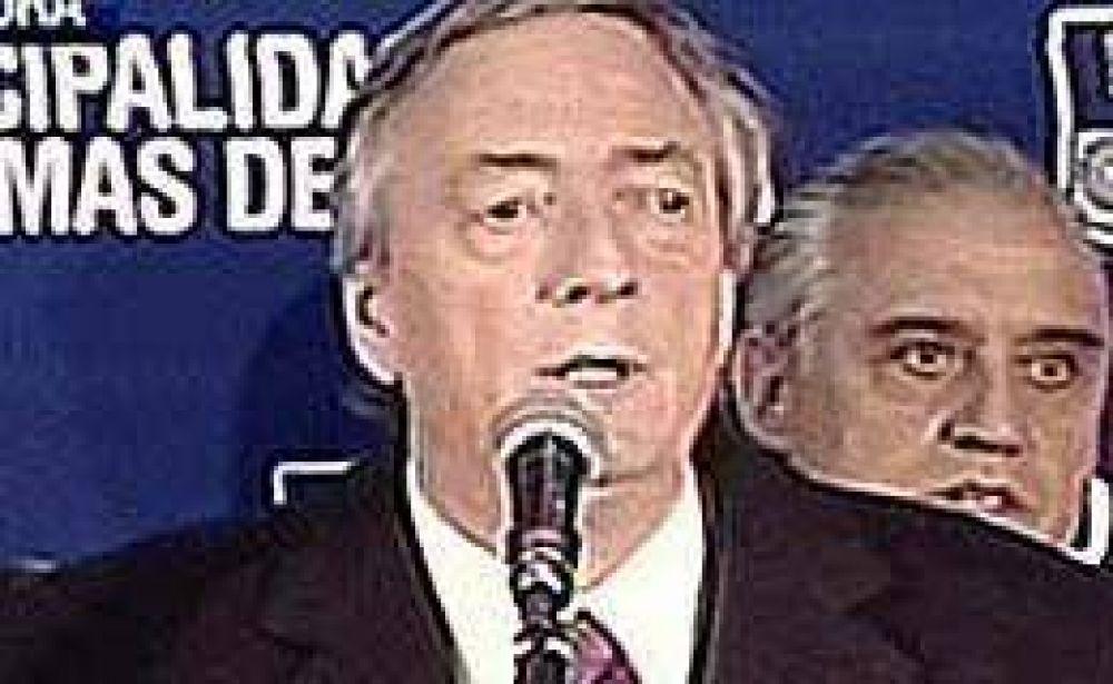 Durante una recorrida de campaña, Kirchner apuntó otra vez contra los medios