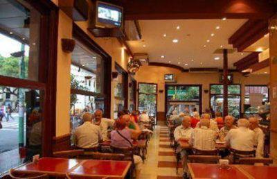 Restaurantes: la demanda mermó un 50 por ciento