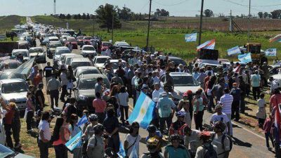 De Angeli propone declarar de interés nacional la marcha contra Botnia