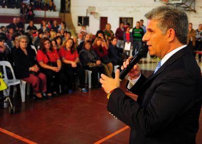 El Gobernador entregó 134 aportes a ONG de la ciudad de San Luis