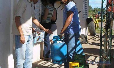 Buscarán aumentar el stock de garrafas sociales que llegan a los barrios
