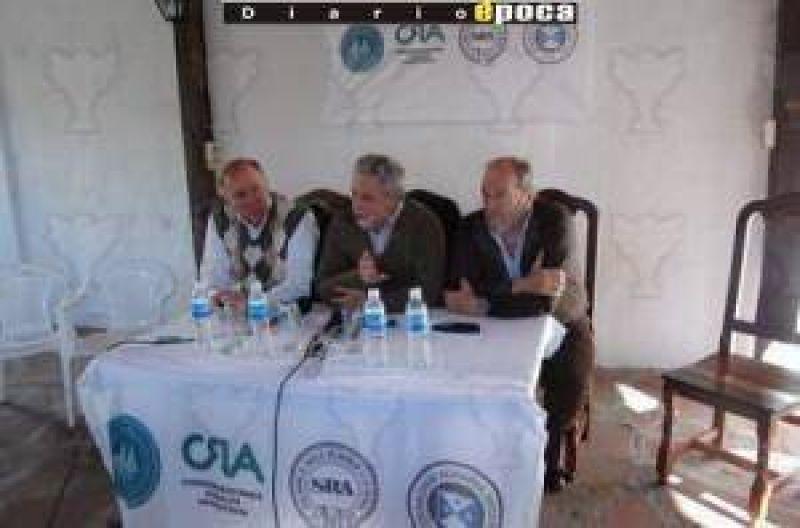 """La Mesa de Enlace buscó en Corrientes legisladores que """"vigilen"""" al Gobierno"""