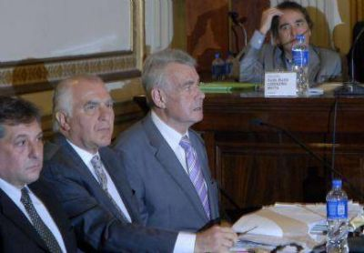 """Pidieron la destitución del juez Hooft por """"haber sido funcional a la dictadura militar"""""""
