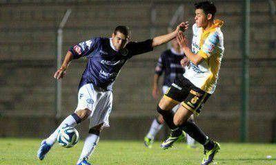 Independiente Rivadavia perdió 2 a 1 con Almirante Brown y fue eliminado