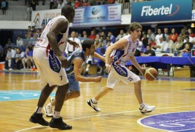 Quimsa cayó en Corrientes ante Regatas y quedó abajo en la serie