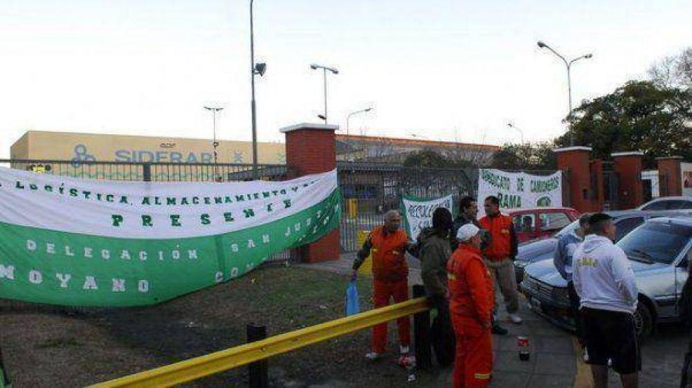 Reunión clave en Trabajo para destrabar el bloqueo a las plantas de Siderar