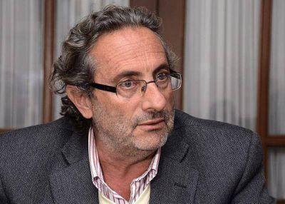 El ex ministro Frías busca trabajo en el Colegio de Abogados