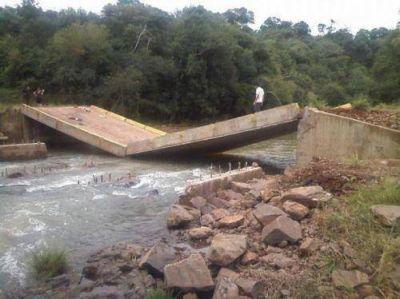 Estiman que en tres meses estar�a reconstruido el puente sobre el arroyo Fortaleza