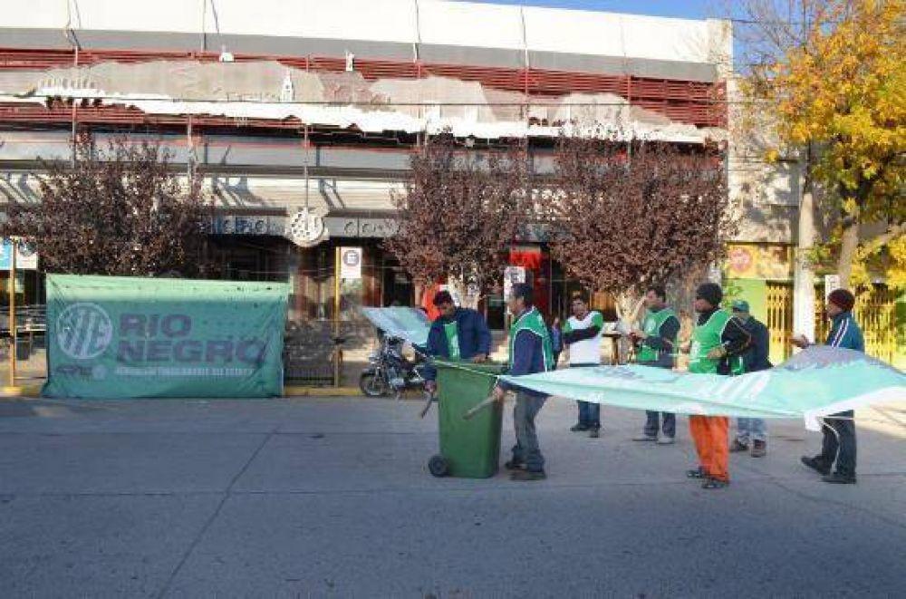 ATE desalojó el municipio de Regina tras dos dias de protesta