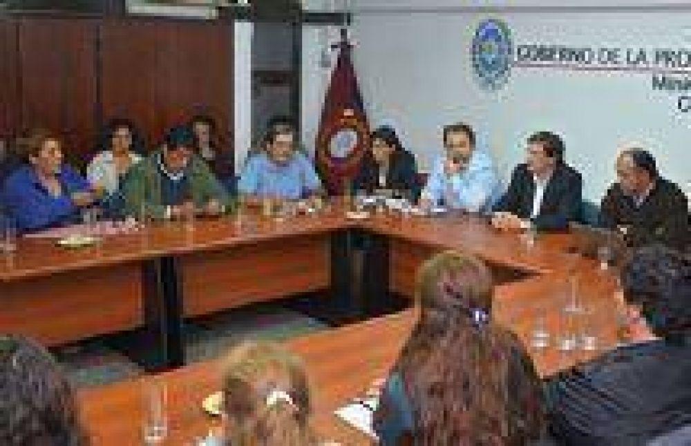 Conocé los insólitos detalles de la última reunión de sindicalistas docentes con el Gobierno