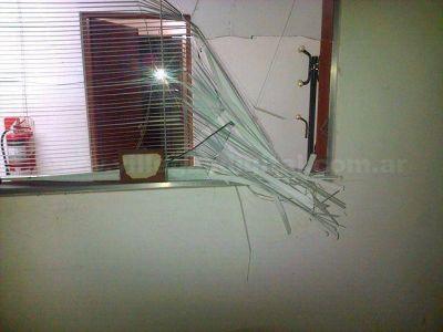 Vandalismo: Rompen vidriera de comercio en ruta 188 de Villegas
