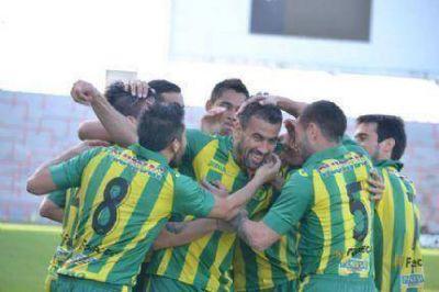 Aldosivi goleó a Villa San Carlos y se ilusiona con mantener la categoría