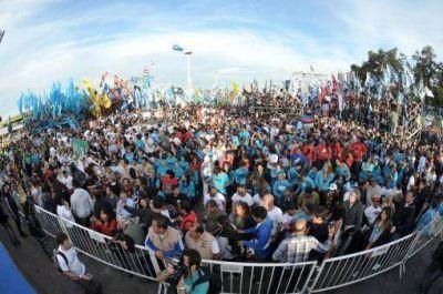 M�s de 20 mil personas celebraron el encuentro de la militancia y destacaron el papel de la juventud