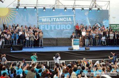 Gobernadores, dirigentes y funcionarios, en el plenario de la militancia
