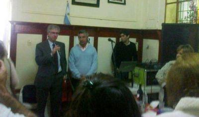 Armendáriz participó de la inauguración de monumento a Raúl Alfonsín en Mercedes