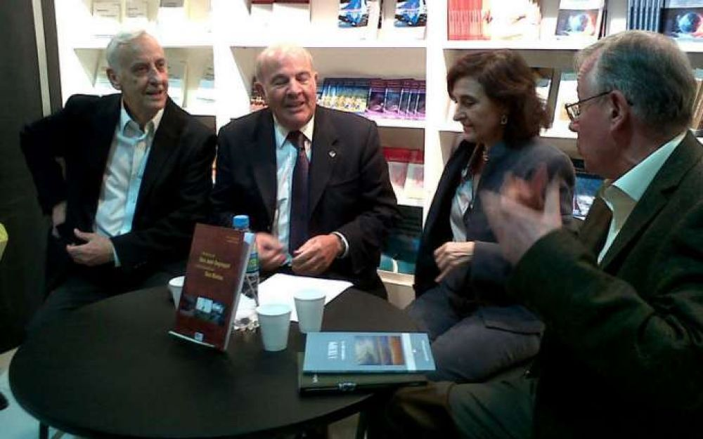 Presentaron libros de uruguayenses